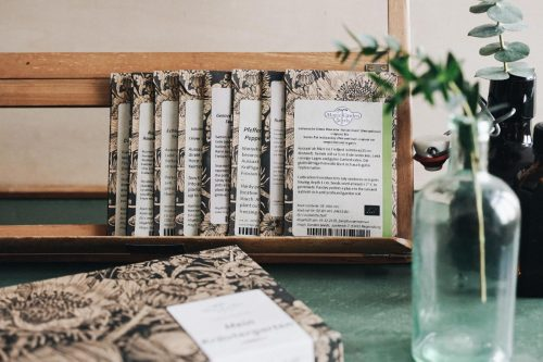 Kräuter aussäen Saatgut und Samen