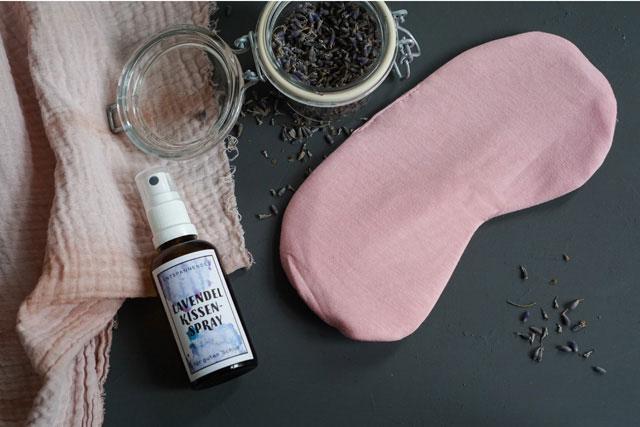 last minute geschenk lavendel kissen spray gartenblog. Black Bedroom Furniture Sets. Home Design Ideas