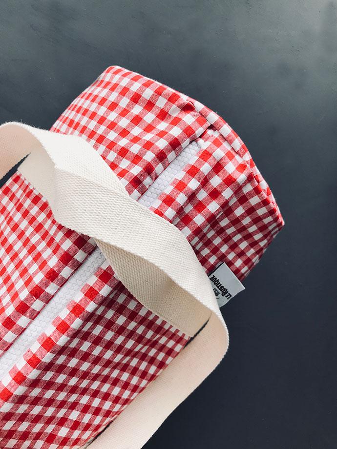 kleine Kühltasche für Picknick und Reise