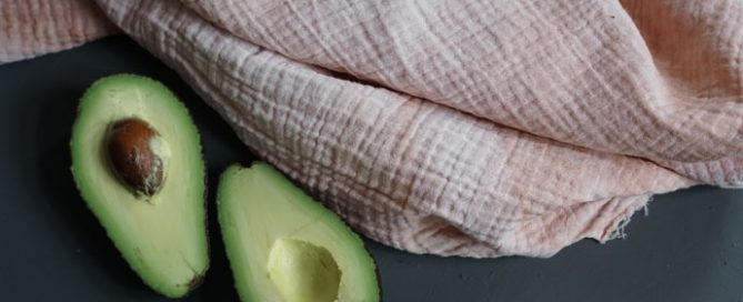Rosa färben mit Avocadokernen